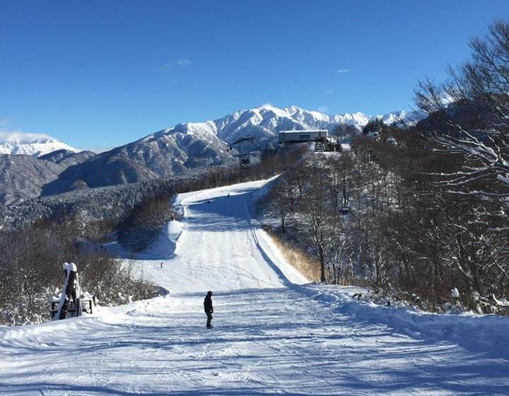 今週末滑走可能なスキー場は・・・